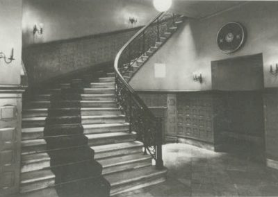 Treppe zum Theatersaal